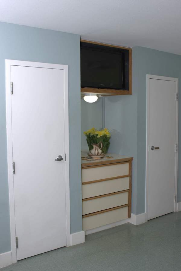Double doors in model room